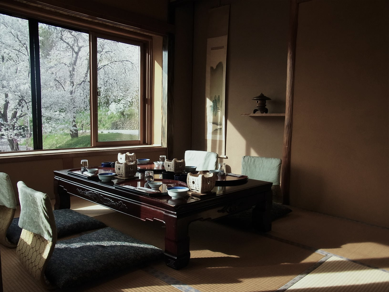春は桜・新緑、夏は清流、秋は紅葉、冬は雪景色